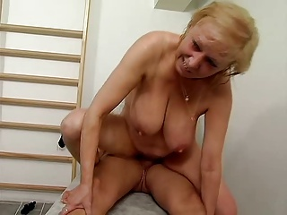 Some great mature hanging tits