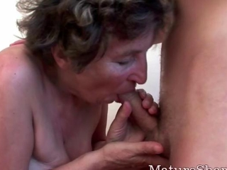 Granny has a nice tight cunt for fucking