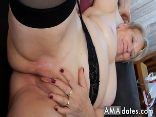 Amateur GILF granny in stockings fucked