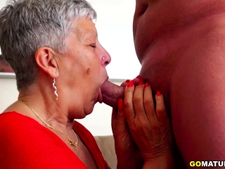 Granny pays with her pussy
