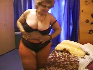 Granny on Webcam R20